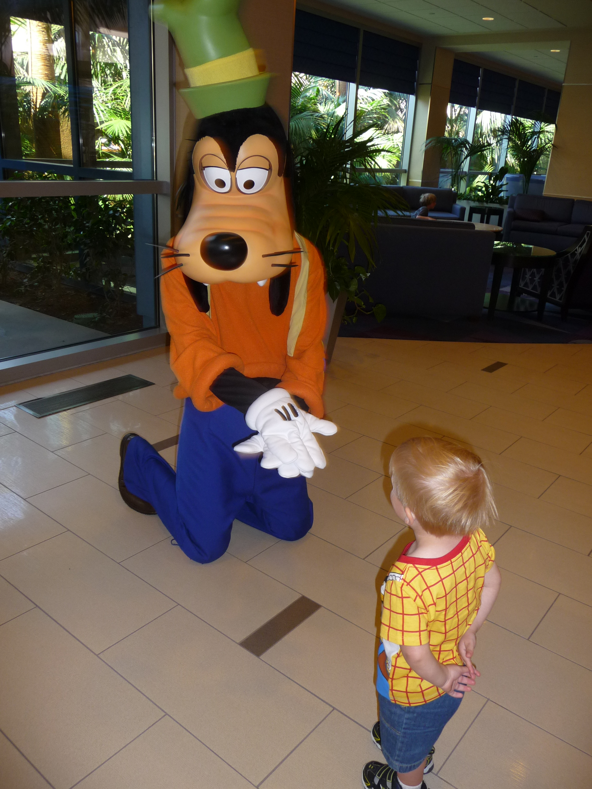 Disneyland hotel the mouse your way travel for Character hotel